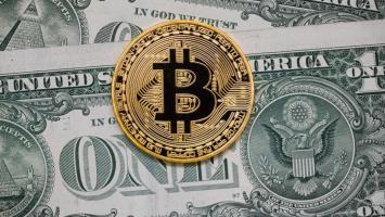 Bitcoin Sonunda 10.000 Dolar Oldu