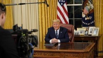 ABD Başkanı Trump, Avrupa'dan Yapılacak Seyahatleri Durduruyor